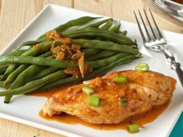 Skillet Chicken with Spicy Paprika Sauce (Paleo, Gluten-free, Whole30)
