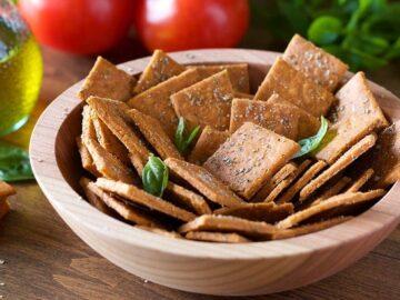 How to make Crackers with Cassava flour - Pizza Crackers (Vegan, Paleo)