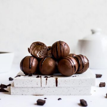 Melt-in-the-mouth-chocolate-hazlenut-cream-filled-truffles